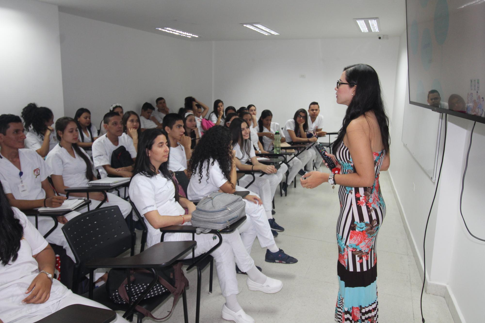 Contemporáneo Enfermera Practicante Reanudar Muestras Cresta ...